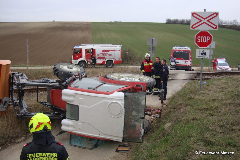 Traktor gegen Zug